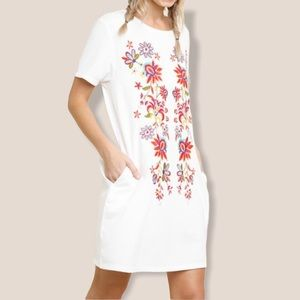 Umgee embroidered floral dress with pockets